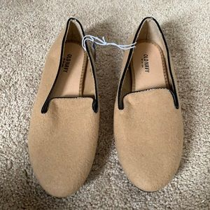 Old Navy Tan and Black Loafers Sz 8